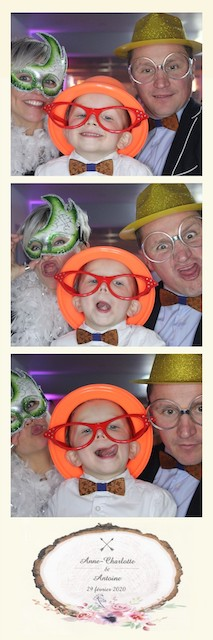 Blog-Domaine-Vertigneul-Mariage-Photobooth1-Pic-yourself
